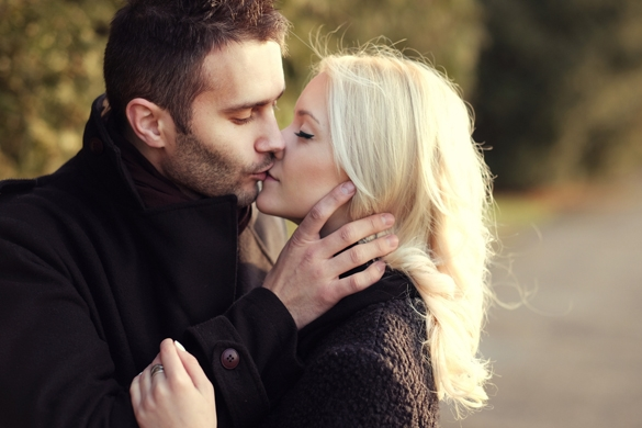 couple in love kissing - What Does A Taurus Man Like About A Sagittarius Woman